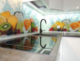 Owocowy mix w kuchni.